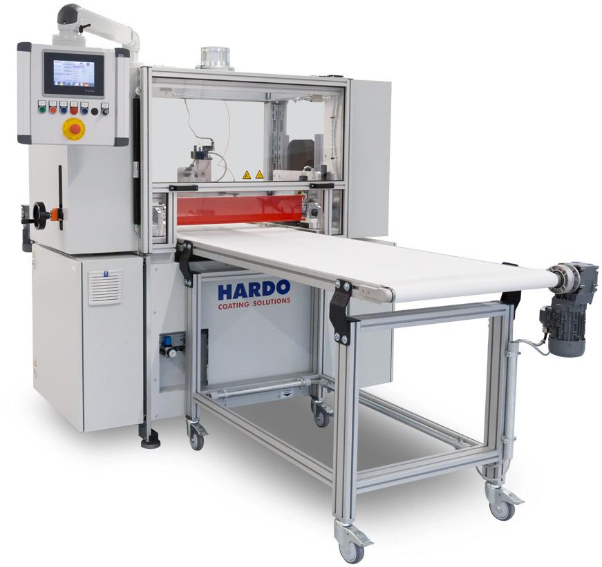 """Der """"HARDO-Klassiker"""" zur Beschichtung einzelner Zuschnitte mit moderner Dosierwalzenauftragstechnik und optimierten Förderbändern."""